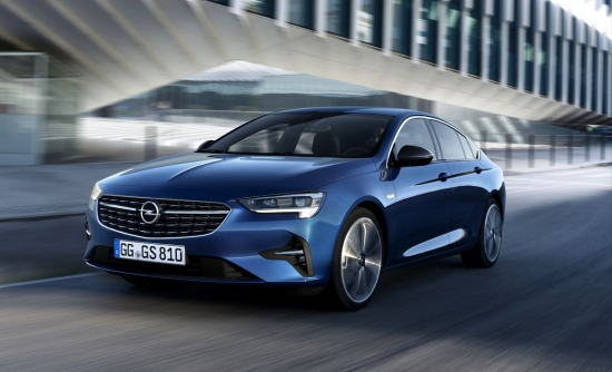 First images with the new Opel Insignia. Wagon Sports Tourer